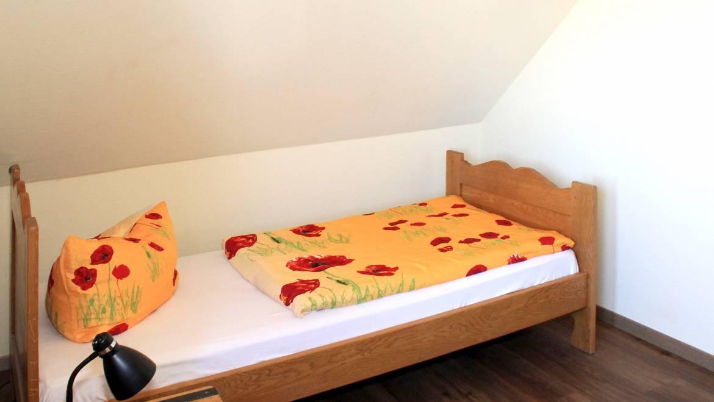 Bett in unserem Einzelzimmer